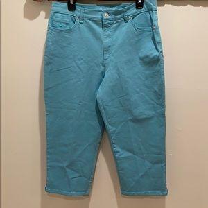 Gloria Vanderbilt blue denim capris 14